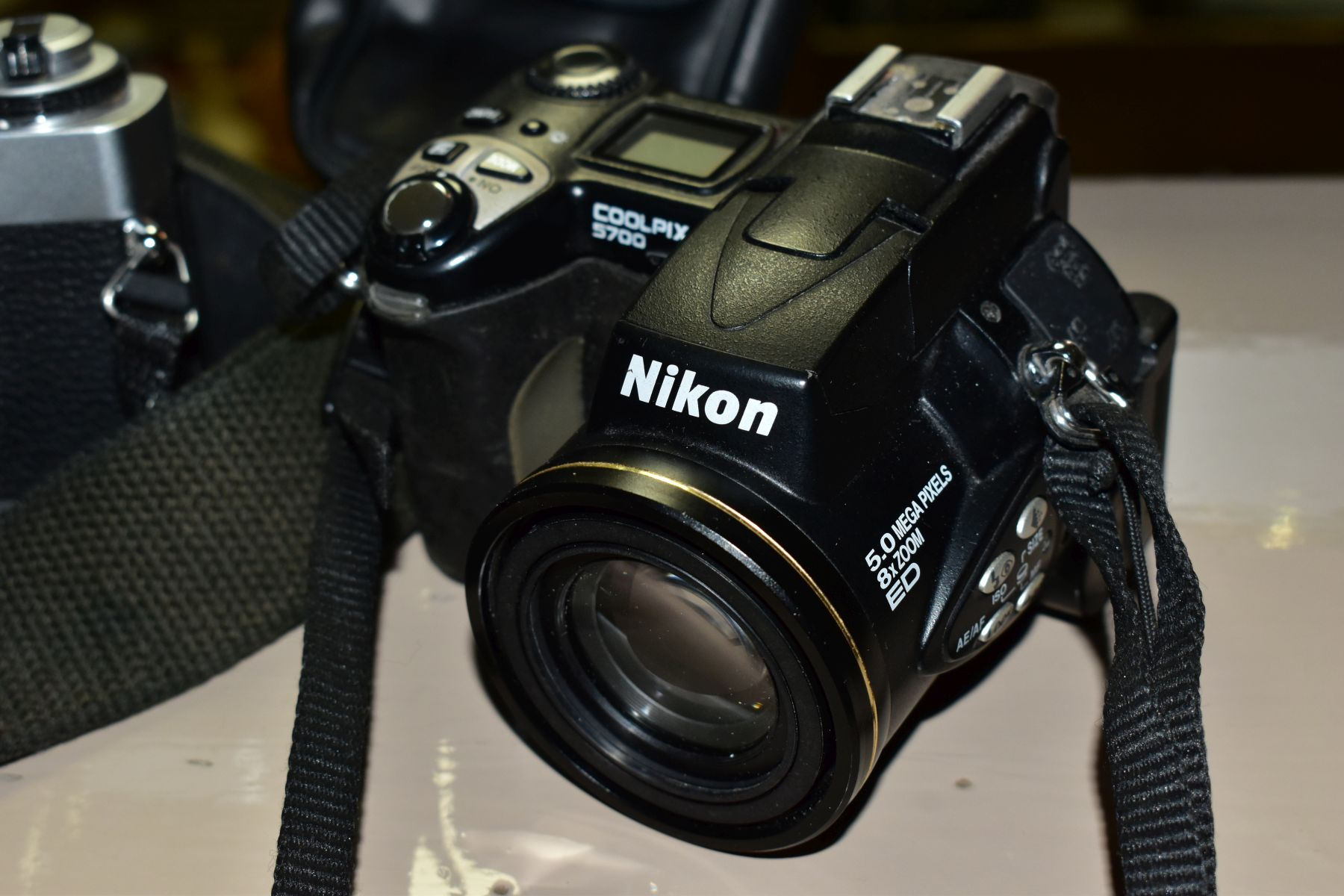 PHOTOGRAPHIC EQUIPMENT, comprising Minolta XG-1 35mm film SLR Camera body fitted with a Sirius 28-70 - Image 2 of 4
