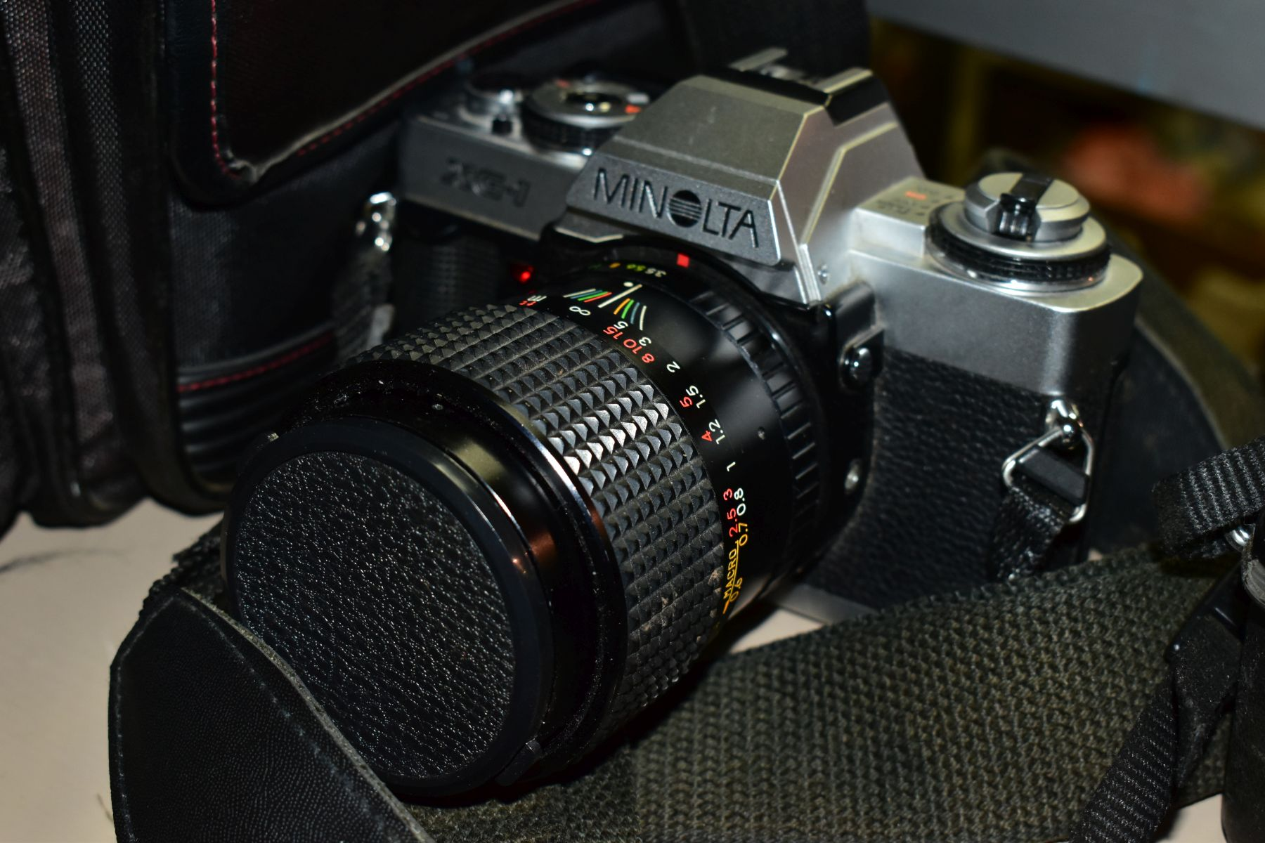 PHOTOGRAPHIC EQUIPMENT, comprising Minolta XG-1 35mm film SLR Camera body fitted with a Sirius 28-70 - Image 3 of 4