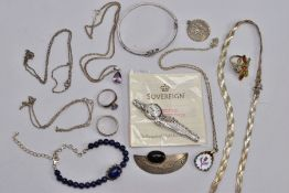 A BAG OF ASSORTED SILVER AND WHITE METAL JEWELLERY, to include a silver and onyx cabochon abstract