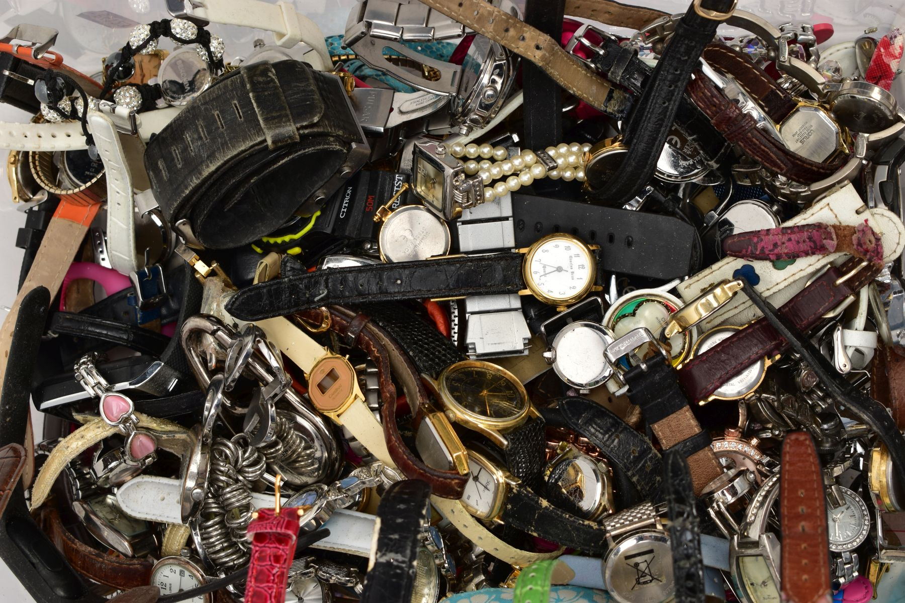 TWO BOXES OF WRISTWATCHES AND COSTUME JEWELLERY, to include a box of assorted ladies and gents dress - Image 3 of 6