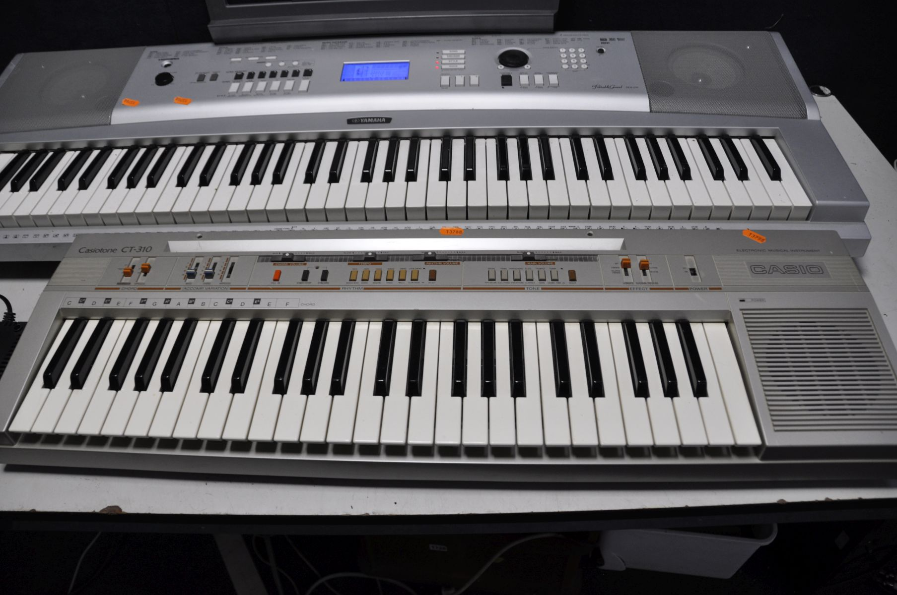 A YAMAHA DGX-230 PORTABLE GRAND KEYBOARD with power supply (PAT pass and working) and a Casio - Image 3 of 3