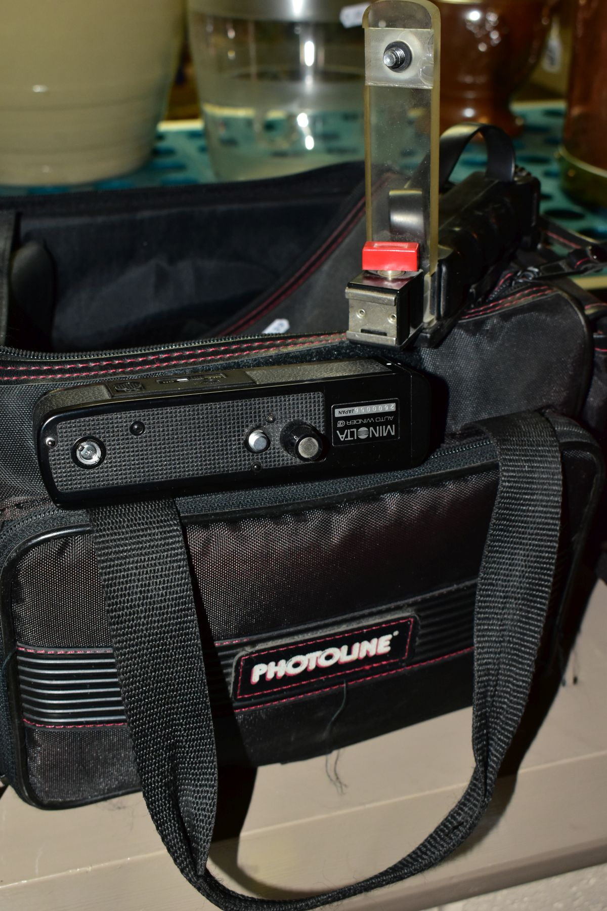 PHOTOGRAPHIC EQUIPMENT, comprising Minolta XG-1 35mm film SLR Camera body fitted with a Sirius 28-70 - Image 4 of 4