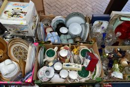 SIX BOXES AND LOOSE CERAMICS, GLASSWARES, KITCHEN ITEMS, ETC, to include Denby Marrakesh teacup