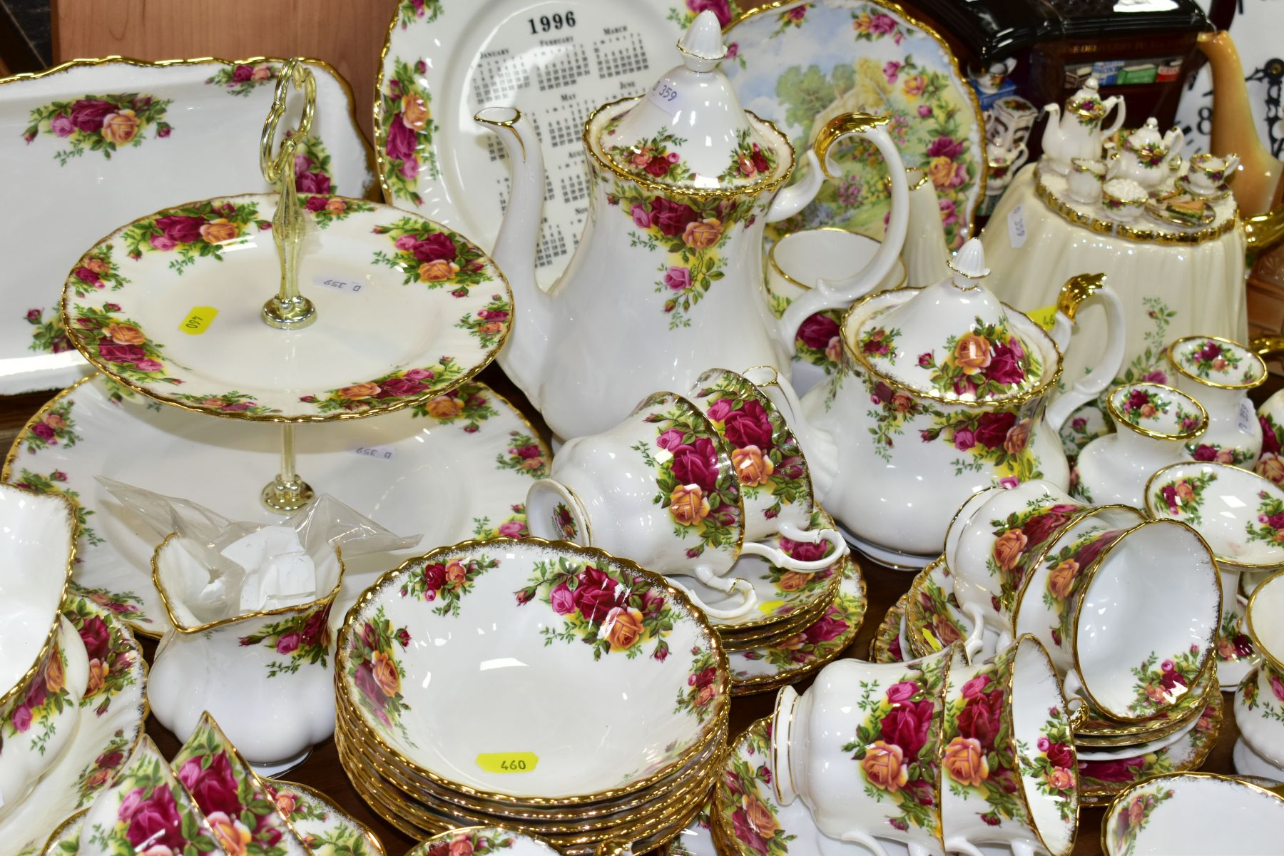 ROYAL ALBERT 'OLD COUNTRY ROSES' DINNER/TEA WARES, NOVELTY TEAPOTS AND TRINKETS, comprising two - Image 6 of 12