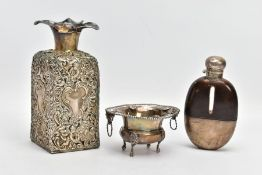 A SELECTION OF SILVER AND WHITE METAL ITEMS, to include an AF glass and silver lined decanter,