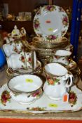 ROYAL ALBERT OLD COUNTRY ROSES TEA/DINNER WARES ETC, comprising six 26cm dinner plates (all seconds,