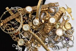 A 9CT GOLD LADIES WRISTWATCH WITH A BAG OF ASSORTED COSTUME JEWELLERY, the wristwatch with a round