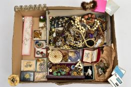 A BOX OF MOSTLY COSTUME JEWELLERY, to include various brooches such as white metal marcasite