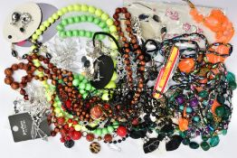 A BOX OF ASSORTED COSTUME JEWELLERY, to include various beaded necklaces, a white metal onyx