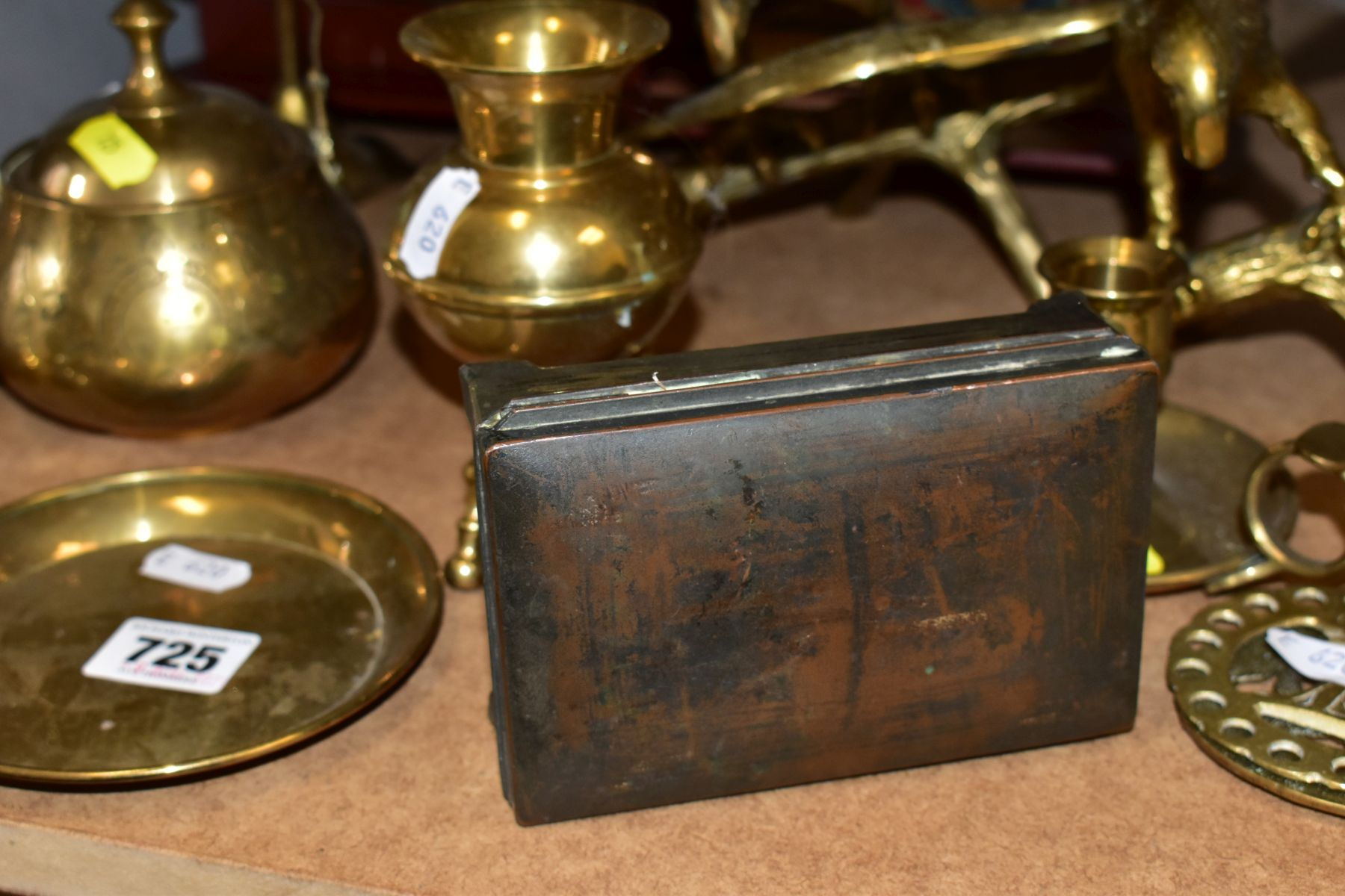 METALWARES AND GAMES BOX to include two brass eagles perched on branches, tallest approximate - Image 3 of 9