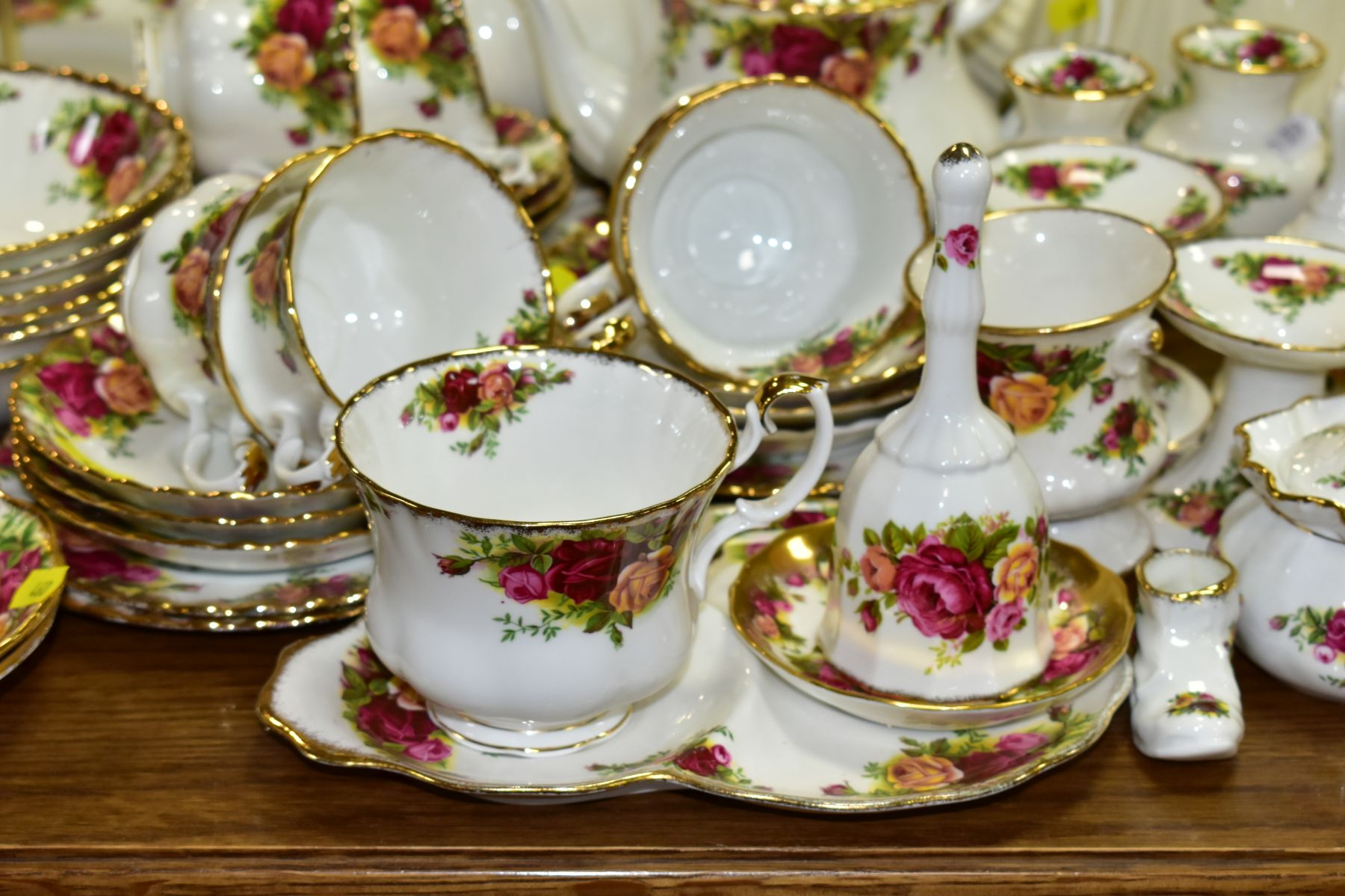 ROYAL ALBERT 'OLD COUNTRY ROSES' DINNER/TEA WARES, NOVELTY TEAPOTS AND TRINKETS, comprising two - Image 8 of 12