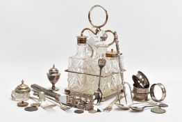 A SELECTION OF SILVER AND WHITE METAL ITEMS, to include four silver napkin rings, each with full