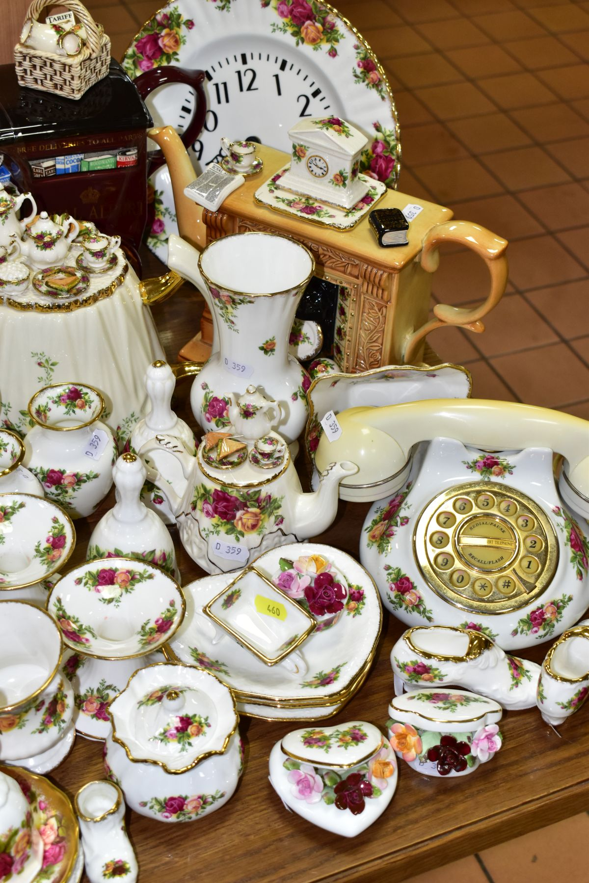 ROYAL ALBERT 'OLD COUNTRY ROSES' DINNER/TEA WARES, NOVELTY TEAPOTS AND TRINKETS, comprising two - Image 4 of 12