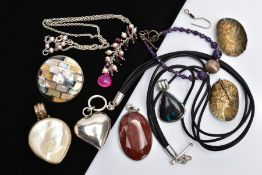 A BAG OF ASSORTED JEWELLERY, to include a silver mother of pearl mosaic set pendant hallmarked
