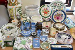 A MIXED LOT OF CERAMICS, ETC, to include Portmeririon 'Botanic Garden', Wedgwood jasperware and