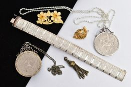 A SILVER BRACELET, COMMEMORATIVE COINS ETC, to include an articulated silver wide bracelet, fitted