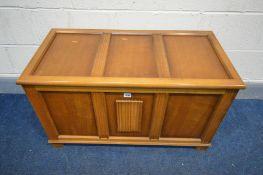 AN OAK LINENFOLD BLANKET BOX, width 90cm x depth 45cm x height 53cm