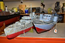 TWO MODEL BOATS 'WHITE STAR' AND 'BLUEBELL', 'White Star' approximately 70cm x 43cm (fitted with
