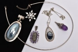A BAG OF ASSORTED JEWELLERY, to include a white metal snowflake shape brooch set with colourless