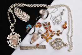 A SELECTION OF SILVER AND WHITE METAL JEWELLERY, to include a silver and rose gold detailed shield