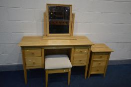 A WILLIS AND GAMBIER, ESPRIT COLLECTION LIGHT OAK BEDROOM SUITE, comprising a dressing table with