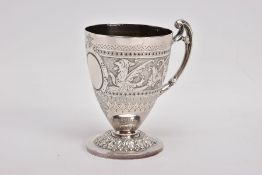 A LATE VICTORIAN SILVER CHRISTENING CUP, with oval vacant cartouche flanked by dragons and scrolling
