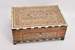 A LATE 19TH CENTURY/EARLY 20TH CENTURY ANGLO - INDIAN INLAID HARDWOOD RECTANGULAR WORK/DRESSING BOX,