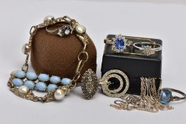 A BAG OF ASSORTED SILVER AND WHITE METAL JEWELLERY, to include a white metal diamond cluster ring,