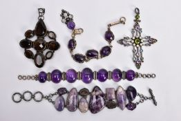 FIVE PIECES OF GEM JEWELLERY, to include a bracelet set with vari-shape mainly amethyst cabochons,