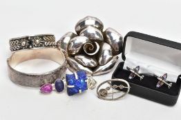A SILVER BANGLE AND OTHER ITEMS OF JEWELLERY, the wide silver hinged bangle, decorated to one side
