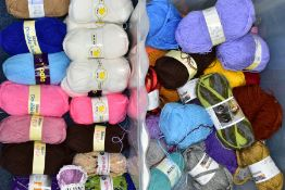 A BOX OF VARIOUS WOOLS AND YARNS, to include Patons Wool Blend Double Knit, speckled greys (one