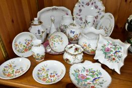 A GROUP OF AYNSLEY, ROYAL CROWN DERBY AND ROYAL ALBERT GIFT AND TEAWARES, to include four pieces