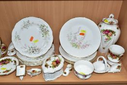 THIRTY FIVE PIECES OF ROYAL ALBERT TEA AND GIFTWARES, comprising 'Old Country Roses' 23cm lidded
