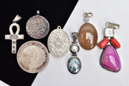 A BAG OF ASSORTED PENDANTS AND A COMMEMORATIVE COIN, to include a large white metal pendant set with