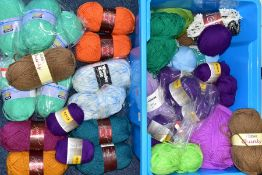 A BOX OF VARIOUS WOOLS AND YARNS, to include Chevy Budget Buy Baby Blue shade 8125 (one ball),