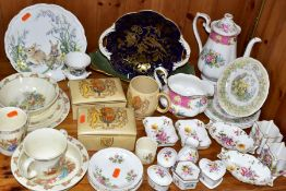 A GROUP OF CERAMICS, to include thirty four pieces of Royal Albert, Wedgwood, Royal Doulton, Royal