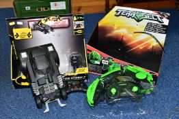 A BOXED SPIN MASTER PLASTIC RADIO CONTROL LAUNCH AND DEFEND BATMOBILE, not tested, Batmobile has