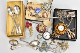 A BAG OF ASSORTED ITEMS, to include a set of six silver teaspoons, each with a gadrooned rim,