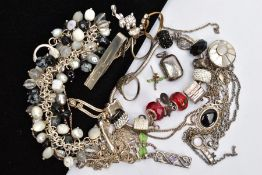 A BAG OF ASSORTED JEWELLERY, to include a white metal rabbit pendant set with colourless paste,