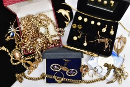 A BAG OF ASSORTED ITEMS, to include a small jewellery box containing three pairs of yellow metal