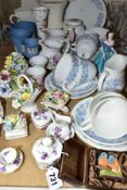 A QUANTITY OF CERAMIC TEA AND GIFTWARES, to include twenty one pieces of Wedgwood 'Petra' part tea