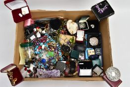 A BOX OF ASSORTED COSTUME JEWELLERY, to include various beaded necklaces and bracelets, brooches,