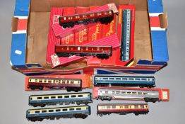 A QUANTITY OF BOXED AND UNBOXED OO GAUGE COACHING STOCK, to include Hornby Dublo Super Detail B.R.