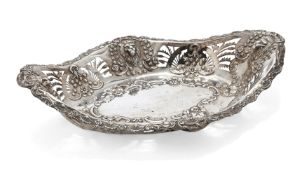 A lion mask design Edwardian silver dish, Birmingham, c.1903, Thomas Hayes, of shaped oval form with