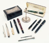 A selection of silver objects of vertu, 19th century and later, to include: a silver propelling
