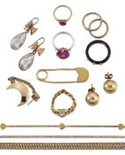 A group of miscellaneous jewellery and fittings, including: an Edwardian gold curb-link guard chain,