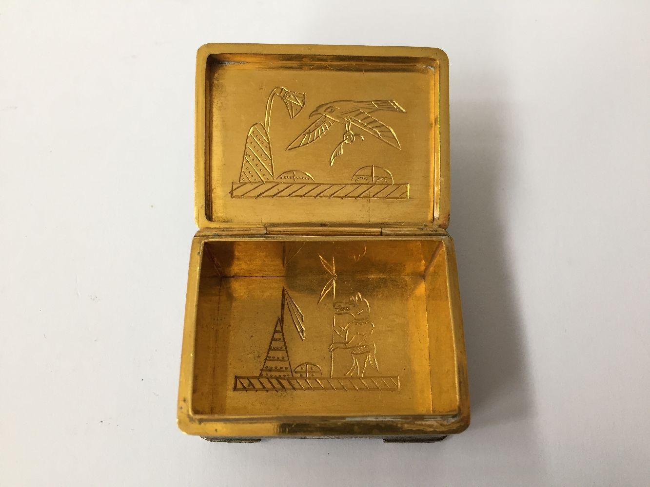 Two Komai style small pill boxes, late 19th early 20th century, one decorated with bamboo to - Image 10 of 12