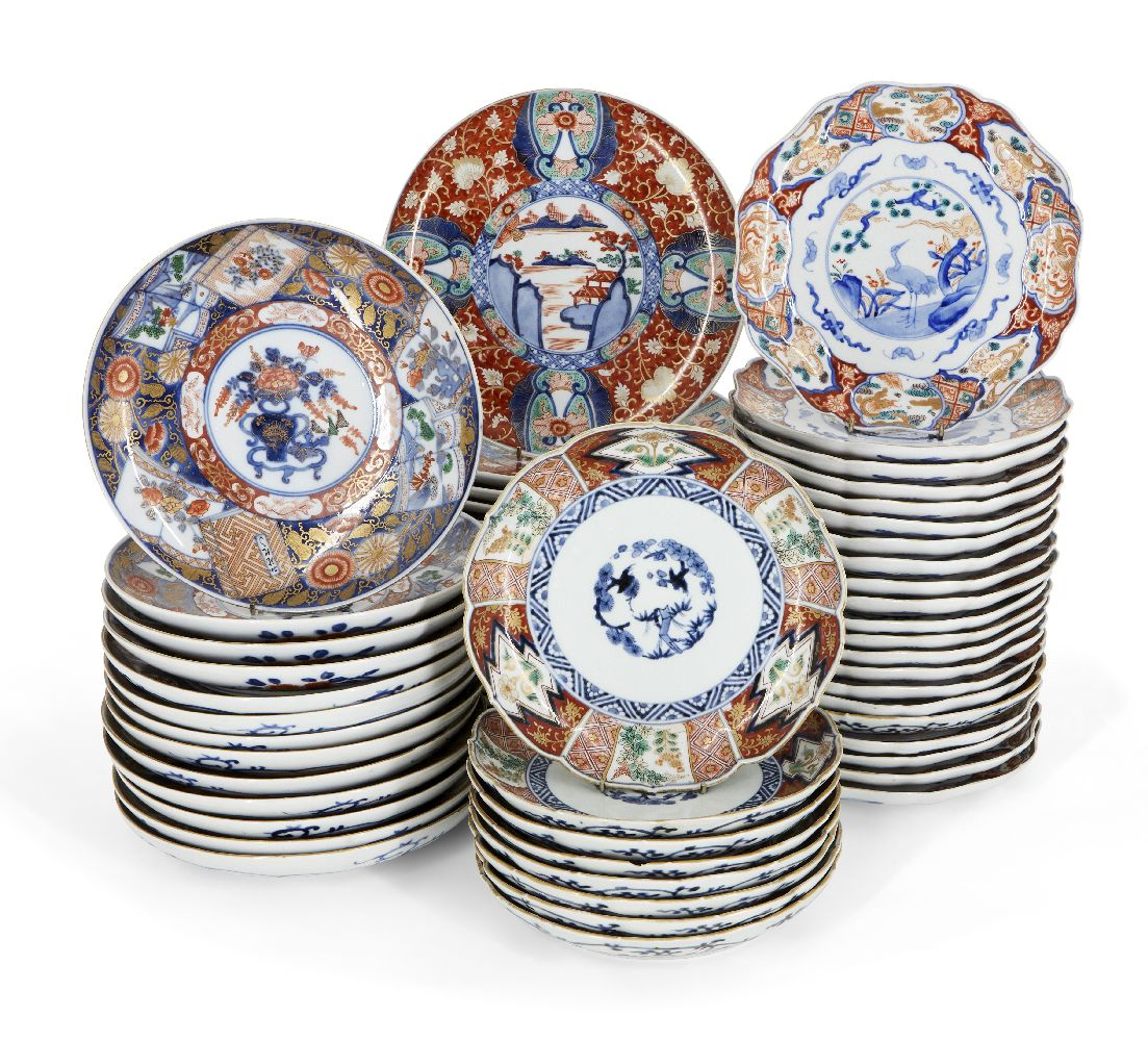 A large collection of Japanese Imari porcelain, early 20th century, comprising twenty nine lobed