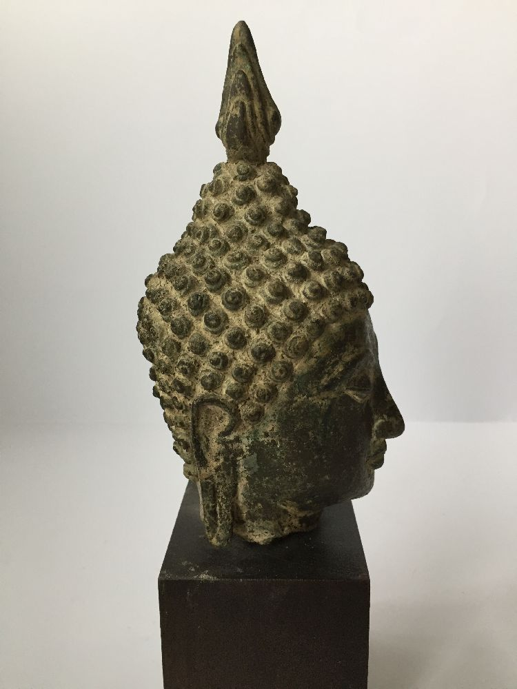 A Thai bronze head of Buddha, 17th/18th century, cast with flame finial above the ushnisha and - Image 6 of 10
