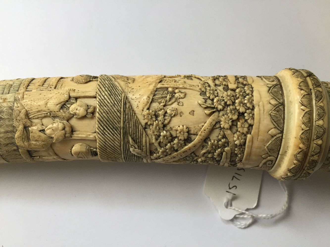 A Japanese carved ivory tanto, Meiji period, in slightly curved form, the scabbard and handle carved - Image 9 of 16
